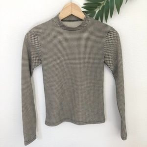 Long Sleeve Houndstooth Top